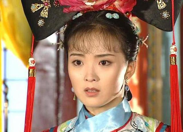 Vương Diễm, diễn viên nổi tiếng với vai Tình Nhi Cách cách, cô là vợ ông Vương Chí Tài.