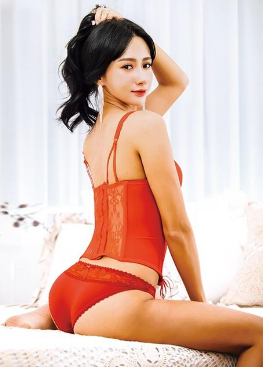 Thân hình không một chút mỡ thừa của Jeon Hye Bin.