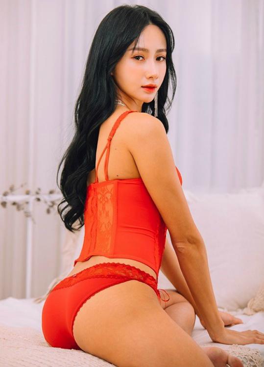 Nữ hoàng cơ bắp Hàn Quốc mặt như búp bê, hình thể đẹp nóng bỏng - 3