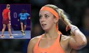 Người đẹp quần vợt hoảng hốt khi cô bé nhặt bóng giết côn trùng