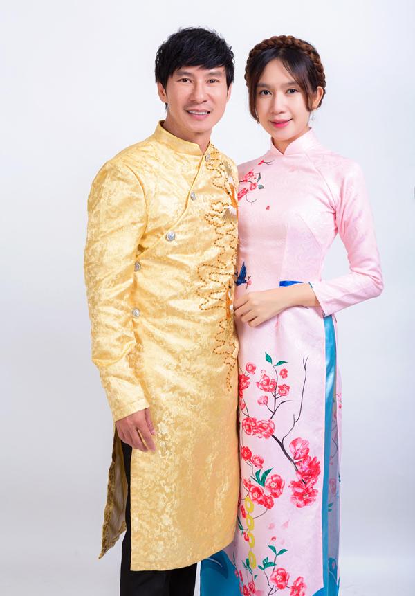 Dịp cận Tết dù bận rộn nhưng Lý Hải - Minh Hà vẫn cố gắng sắp xếp thời gian chụp ảnh gia đình, mừng năm mới.