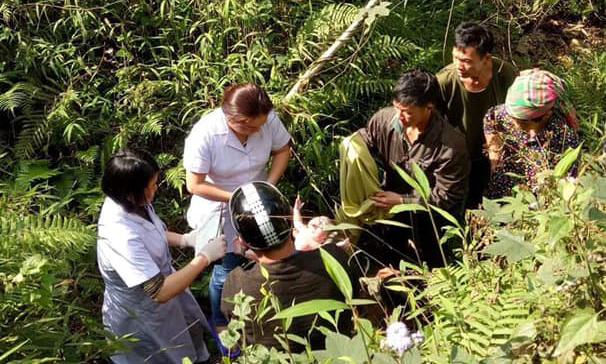 Bé gái Hà Giang chào đời sau cú rơi xuống vực sâu 10 m của mẹ