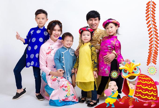 Lý Hải hết lời khen ngợi bà xã Minh Hà. Cô không chỉ đảm đang quán xuyến việc chăm sóc, nuôi dạy 4 con nhỏ mà còn hỗ trợ đắc lực cho việc làm phim của chồng.