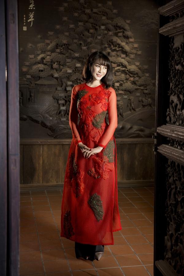 Xuất thân là diễn viên múa, Thanh Mai chính thức bước vào điện ảnh từ khi đoạt giải Á hậu cuộc thi Ngôi sao điện ảnh ngày mai năm 1992. Cô từng là một trong những mỹ nhân đình đám những năm 90, 2000, trong đó phải kể đến vai diễn trong bộ phim Cô thủ môn tội nghiệp