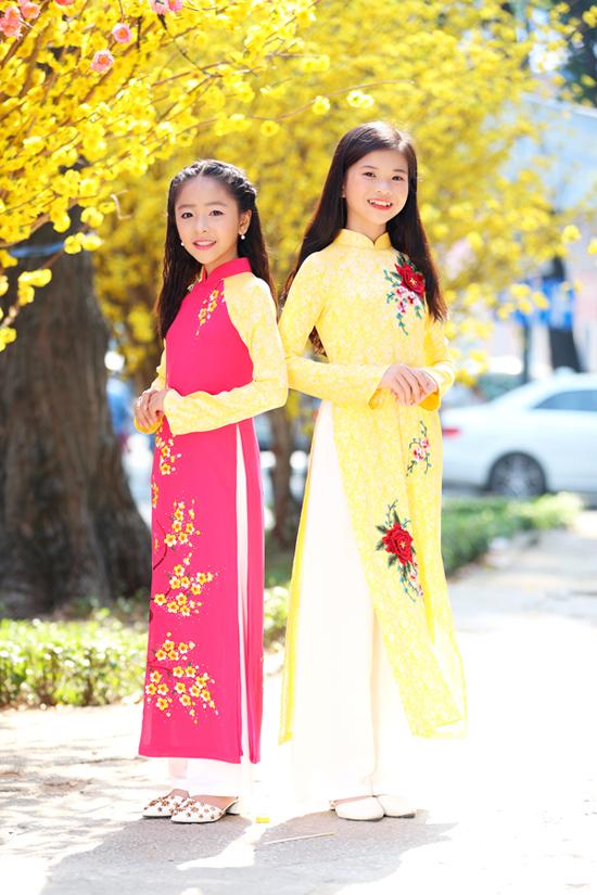 Photo : Vũ Nguyễn  Make up : Huy Nguyễn  Stylist : Phương Phương - Hạnh Nguyên  Trợ lý : Mẫn Ni