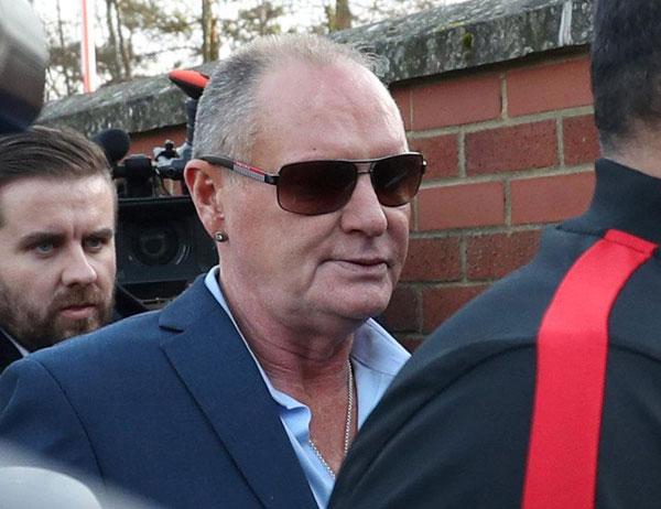 Cựu danh thủ Anh, Paul Gascoigne tránh được phá sản năm 2016 dù không trả được khoản thuế 42.000 bảng. Tuy nhiên sau đó, Gazza tiếp tục chìm trong những rắc rối, nghiện ngập, trầm cảm, tiếp tục nợ thêm 200.000 bảng.