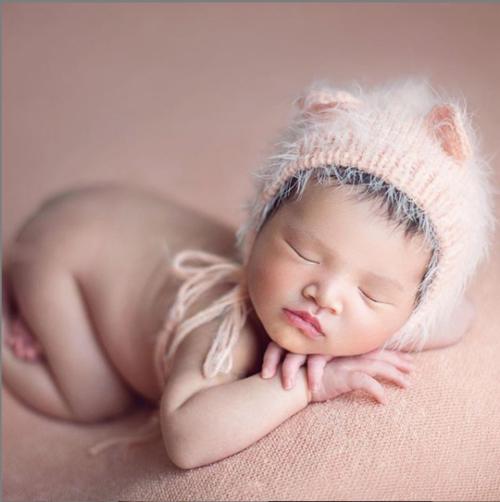 Con gái 3 tháng tuổi của Diệp Lâm Anh lần đầu lộ diện - 1