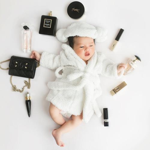 Con gái 3 tháng tuổi của Diệp Lâm Anh lần đầu lộ diện