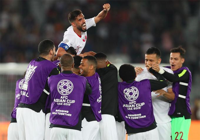 Cầu thủ Qatar mừng chiến thắng trước Nhật Bản. Ảnh: AFC.