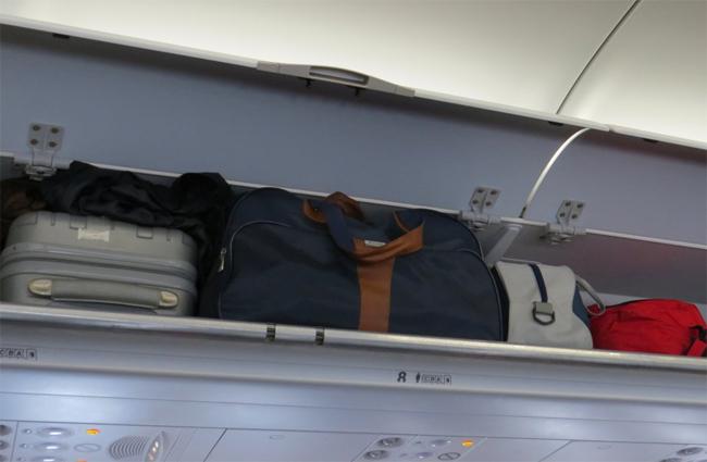 Những hành động của hành khách gây khó chịu cho tiếp viên hàng không