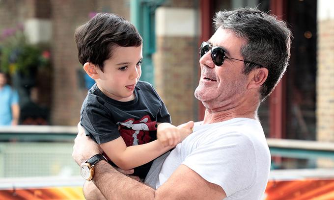 Simon Cowell và bé Eric.