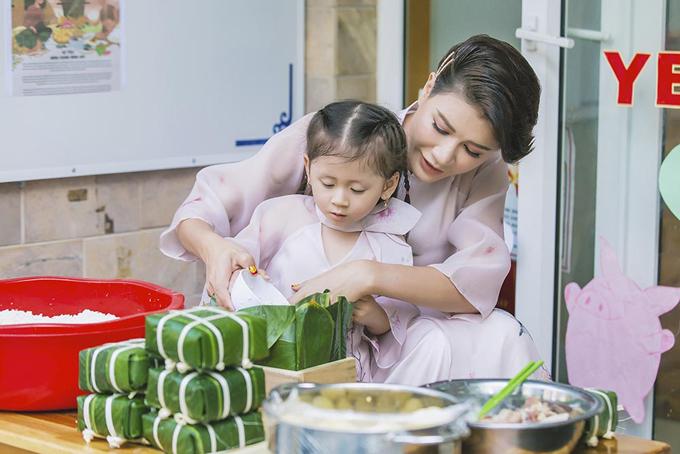 Trang Trần cảm thấy có lỗi vì mải kiếm tiền, ít thời gian chăm sóc con gái.