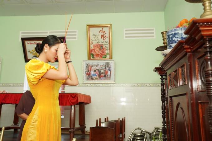 Sau dịp Tết, Phương Khánh tiếp tục các hoạt động bảo vệ môi trường thuộc nghĩa vụ hoa hậu, đồng thời đến các nước tìm kiếm đại diện dự thi Miss Earth 2019.