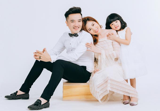 [Caption] EKIP  Producer: Nguyễn Thiện Khiêm  Photo: Trường Sơn  Makeup: Kim Tuyến