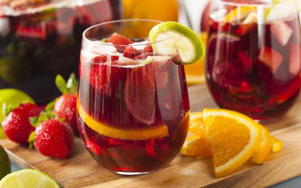 tu-pha-che-cocktail-sangria-ngon-dung-dieu