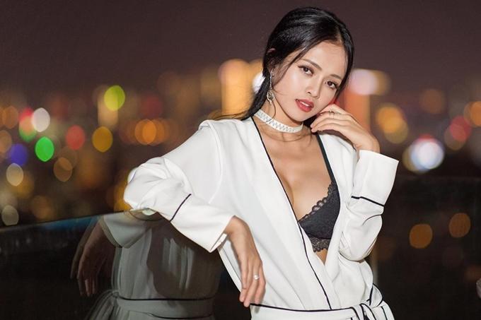 Thanh Trúc được biết đến qua vai diễn Hương trong bộ phim Cha và con, hiện là MC kênh truyền hình ANTV.