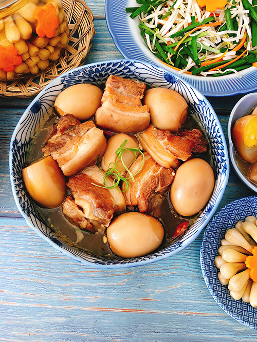 Thịt kho trứng cho ngày mùng 1 may mắn
