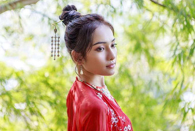 Nữ ca sĩ được bạn trai hỗ trợ nhiều về chuyên môn âm nhạc khitheo đuổi con đường ca hát.
