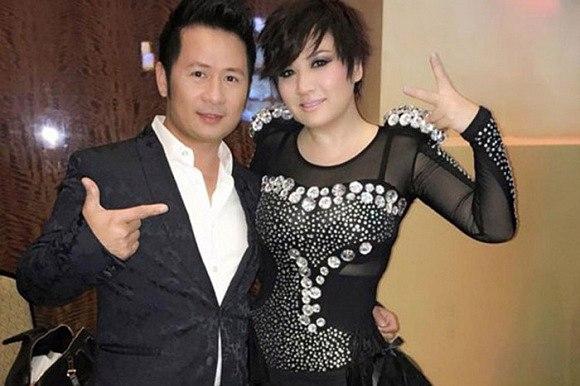 Bằng Kiều và Trizze Phương Trinh vẫn vui vẻ chụp hình bên nhau dù đã ly hôn.