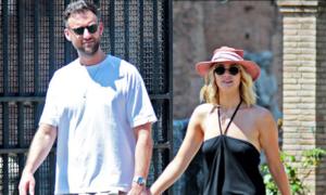 Jennifer Lawrence đã đính hôn với giám đốc phòng tranh