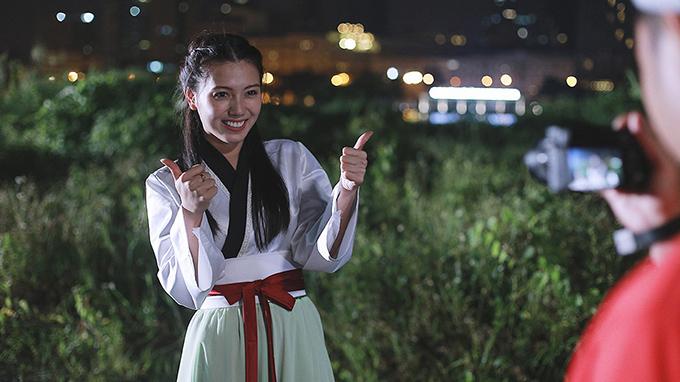 Trang phục của bà Táo giống trang phục truyền thống Hàn Quốc.