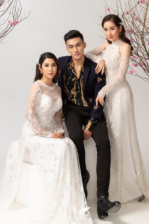 Bộ ảnh được thực hiện với sự hỗ trợ của nhiếp ảnh Chanh, trang điểm Nguyễn Thanh Quang, Lâm Nguyễn