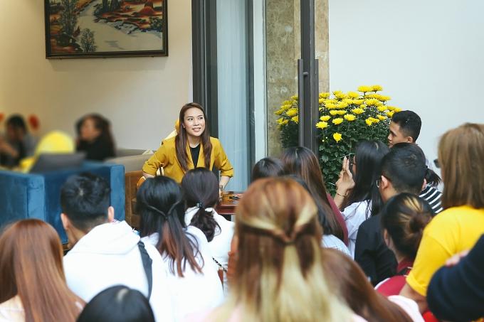 Chiều mùng 3 Tết, ca sĩ Mỹ Tâm có buổi họp fan đầu năm tại nhà riêng ở Đà Nẵng.