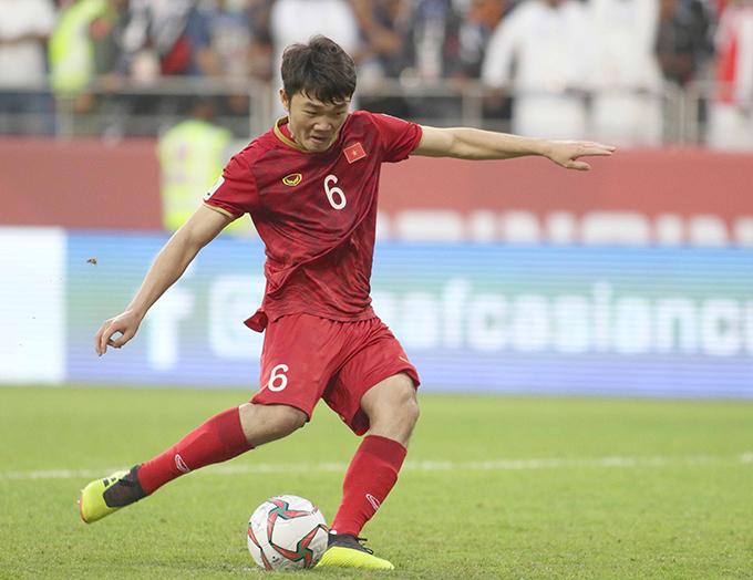 Xuân Trường thực hiện thành công cú luân lưu trong chiến thắng của tuyển Việt Nam trước Jordan ở vòng 1/8 Asian Cup 2019. Ảnh: Anh Khoa.