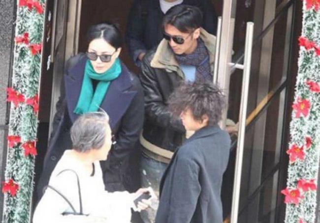 Một bức ảnh hiếm hoi Phong - Phi lộ diện cùng nhau cách đây ít lâu.