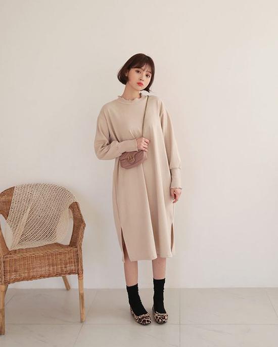 Nếu lỡ để mất dáng chuẩnbởi nạp qua nhiều bánh chưng, bánh tét thì các nàng nên chọn các mẫu váy mang lại cảm giác thoải mái cho hình thể.