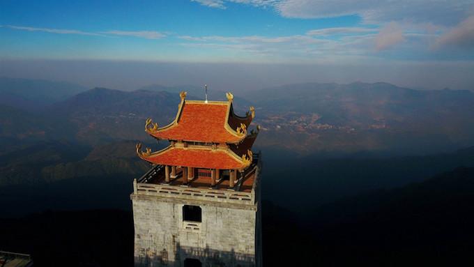 Dáng chùa Việt trên đỉnh trời Đông Dương - 1