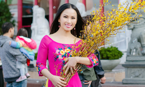 Ca sĩ Hà Phương du xuân ở Mỹ