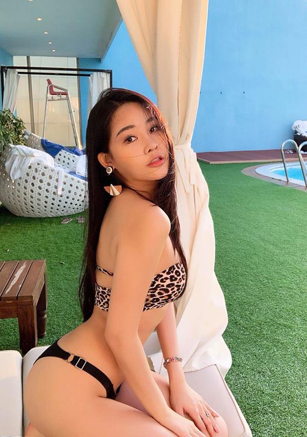 Ngân Anh mặc bikini, khoe thân hình thắt đáy lưng ong - 3