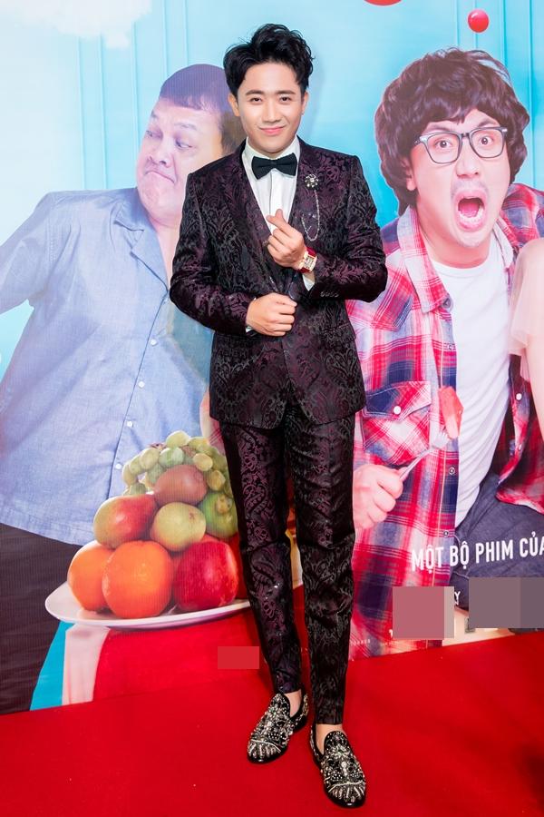 Tối 23/1, MC Trấn Thành ra mắt bộ phim Cua lại vợ bầu mà anh đảm nhận vai chính.