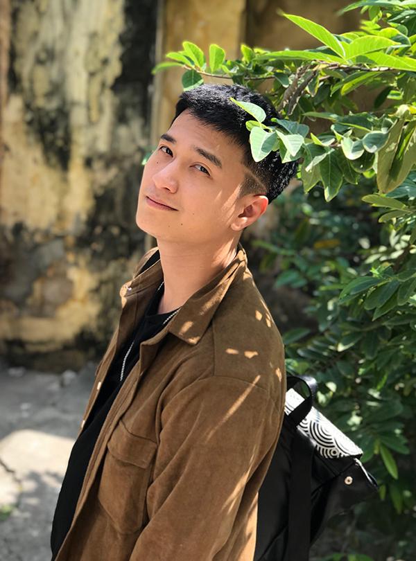 Cùng với Mạnh Trường và Lưu Đê Ly, Huỳnh Anh cũng là đảm nhận vai chính trong phim.