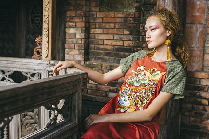 Tôi muốn cùng các bạn trải nghiệm về một mùa Tết mang đậm tinh thần Việt, tinh thần Á Đông, Lan Chi tâm đắc với các thiết kế mới cho xuân Kỷ Hợi.