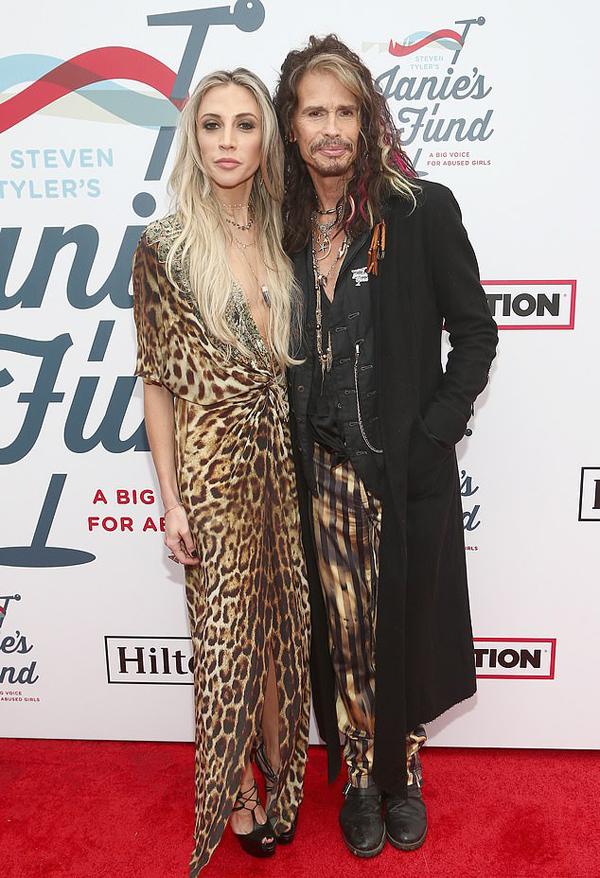Bồ trẻ của Steven Tyler năm nay chỉ mới 30 tuổi, ít hơn hai con gái đầu của rocker 10 tuổi. Cô và Tyler hẹn hò từ năm 2016.