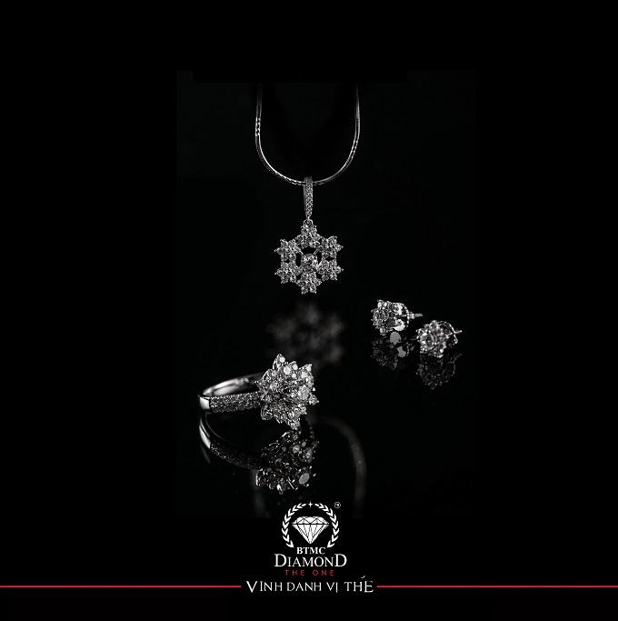 Thương hiệu trang sức cũng cho rằng món quà trang sức còn có ý nghĩa là kỷ vật của tình yêu.