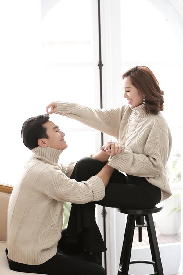 Trong 2 năm yêu nhau, Hồng Anh Kichi và Anh Tuấn thường xuyên chụp các bộ hình kỷ niệm.