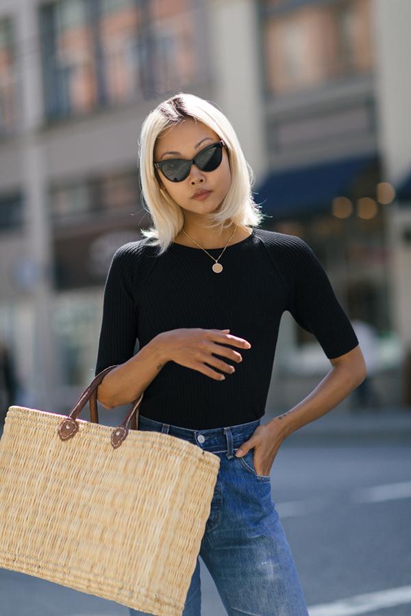 Họa hỏi cách mix trang phục của fashionista nổi tiếng, chị em văn phòng dễ dàng có được set đồ ưng ý khi đi làm.