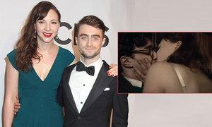 Daniel Radcliffe gặp bạn gái lần đầu khi quay cảnh sex