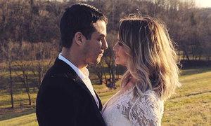 Miranda Lambert cưới chàng cảnh sát trẻ sau 4 năm ly hôn Blake Shelton