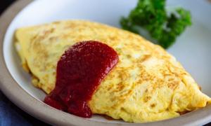 Trứng cuộn cơm rang