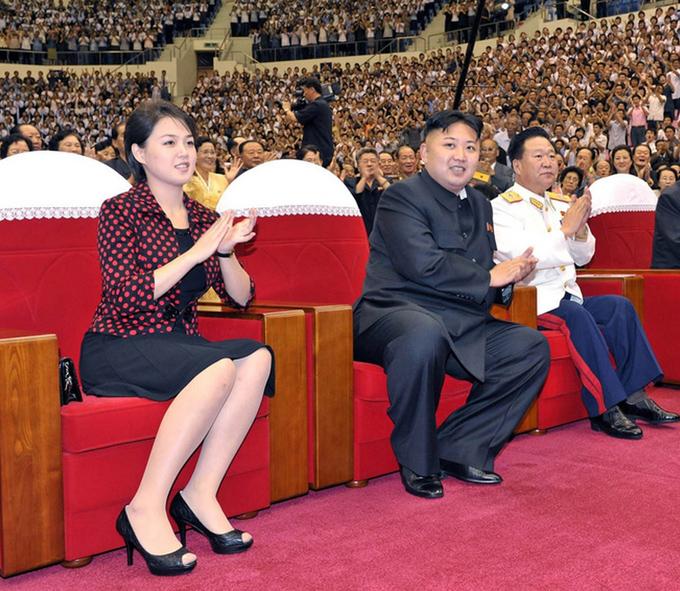 Gu thời trang tiên phong của phu nhân ông Kim Jong-un - 2