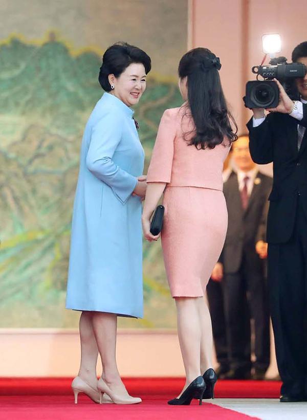 Gu thời trang tiên phong của phu nhân ông Kim Jong-un - 3
