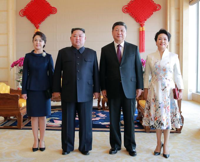 Gu thời trang tiên phong của phu nhân ông Kim Jong-un - 4