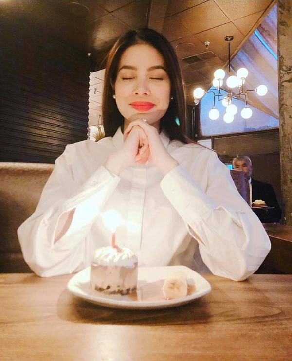Hoa hậu Hoàn vũ Việt Nam 2015 cho biết bản thân đang tận hưởng sự bình yên tại Mỹ. Hiện tôi chỉ muốn thay đổi và trải nghiệm nhiều điều hơn nữa, người đẹp nói.