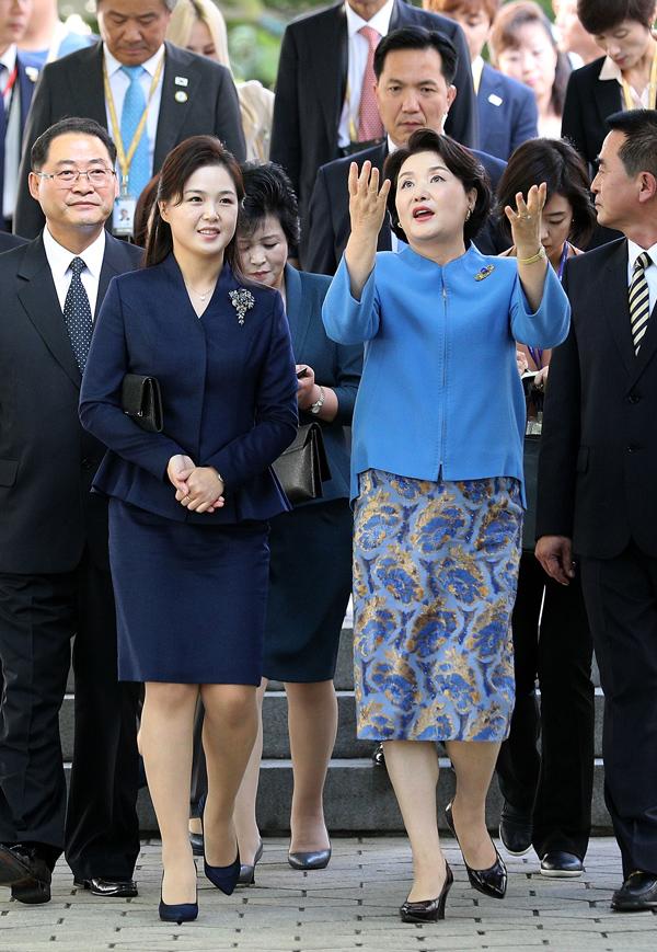 Gu thời trang tiên phong của phu nhân ông Kim Jong-un - 6