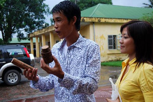 Hiệp Gà được Thanh Quý đón về nhà ngày ra trại cải tạo tháng 9/2018.
