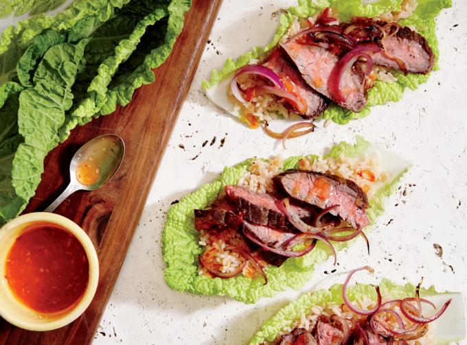 Thịt bò cuốn cơm kiểu Thái